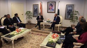 Representantes-Pakistan-India-vuelven-reunir_EDIIMA20150303_0842_4